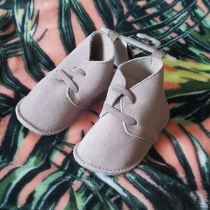 BABY GAP Taupe Suede Booties NEW